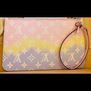 ❌Sold❌Brand new Escale Neverfull Pouch Escale!💗😍